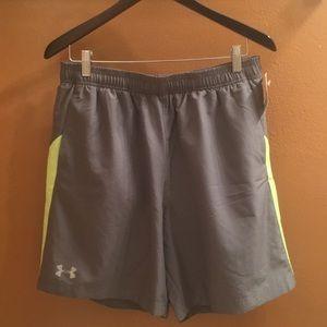 NWT Mens Underarmour Gym shorts Sz. Lg